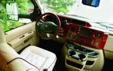 福特E450房车驾驶席图片