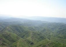 高山蓝天青山山群图片