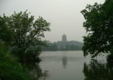 长桥公园 雷峰塔图片