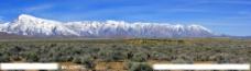 戈壁雪山图片